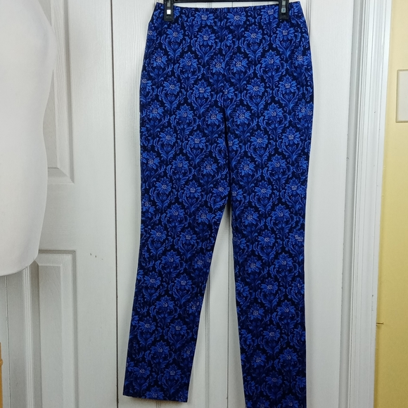 Isaac Mizrahi Pants - 4/$25 Isaac Mizrahi Live! blue floral skinny pants
